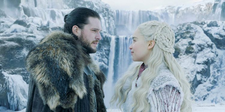 kit-harington-and-emilia-clarke-in-game-of-thrones-season-8
